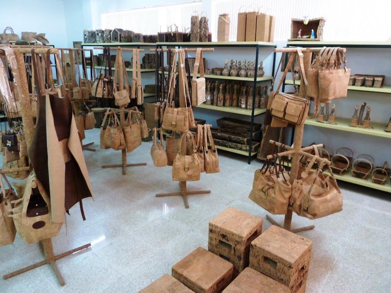 Изделия из коркового дерева