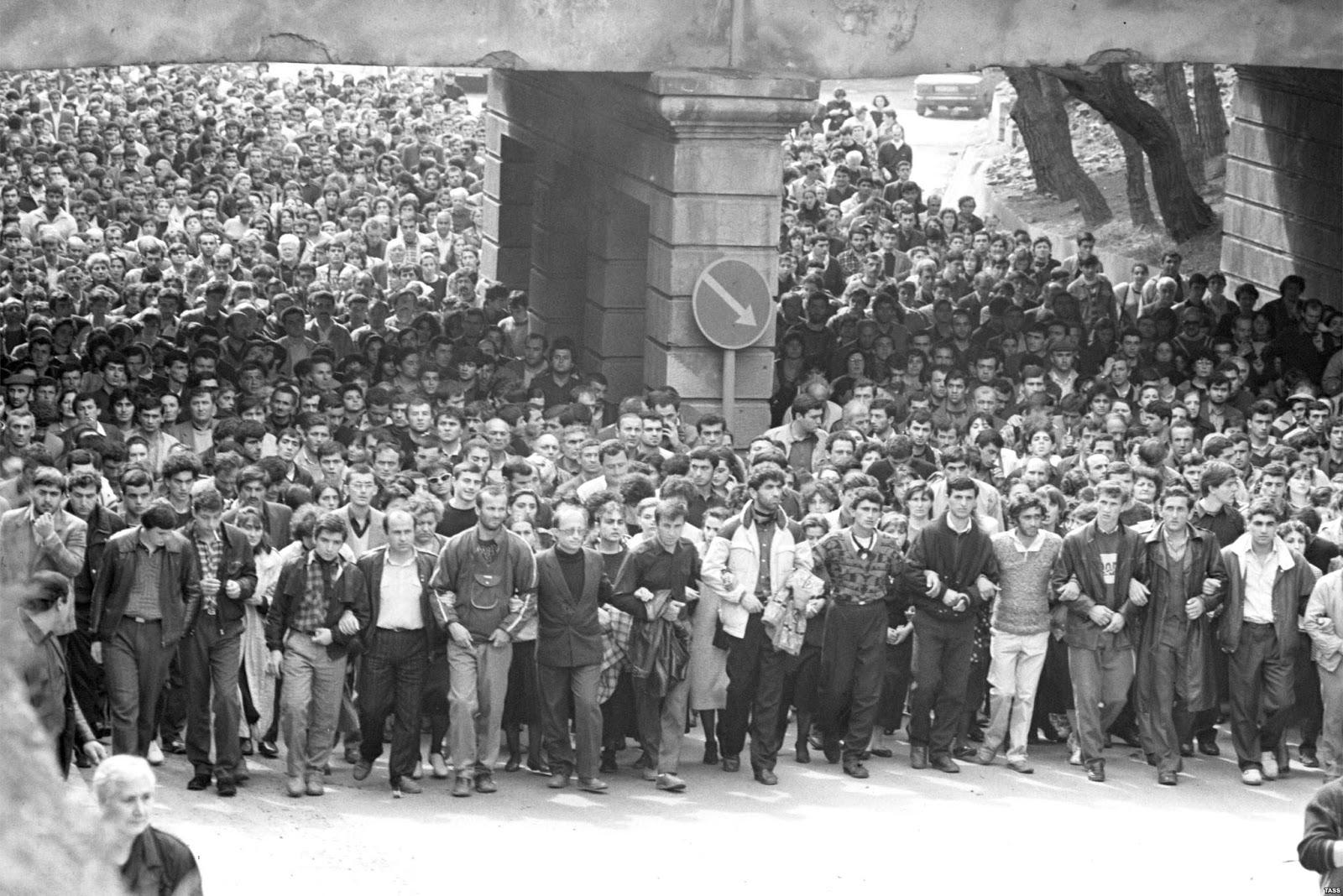 Фото: демонстрация в Тбилиси, 1989 г.
