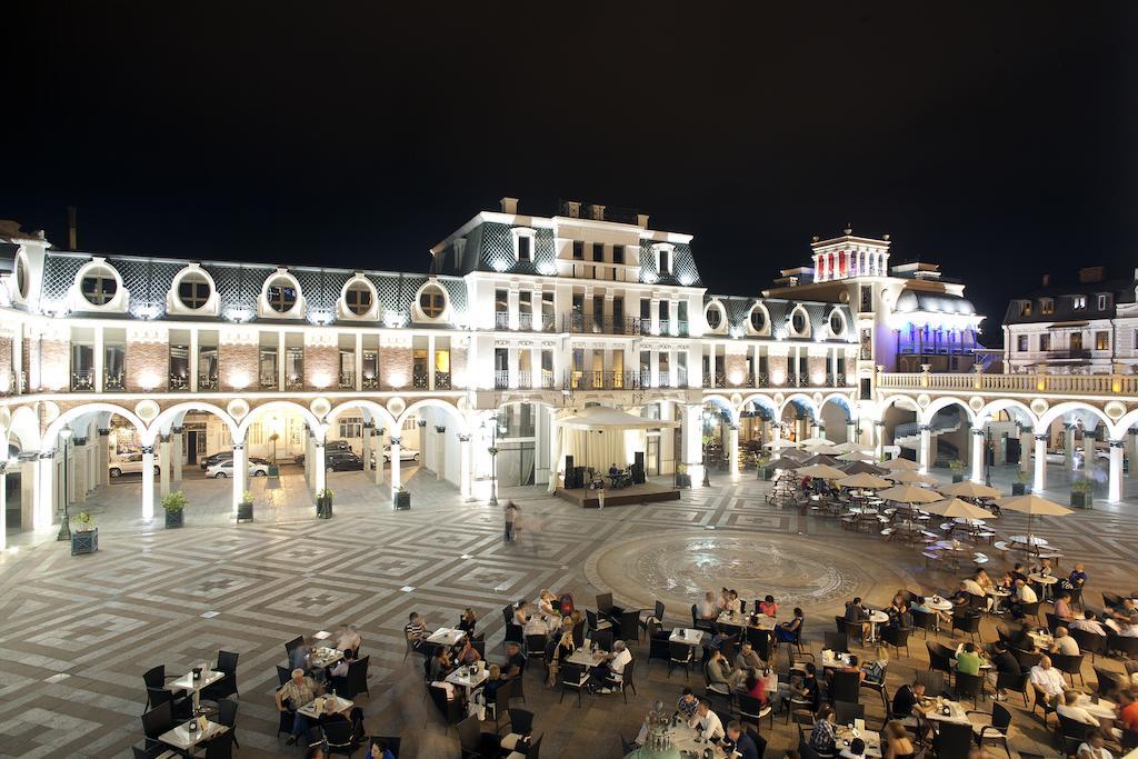 Фото: площадь Пьяцца