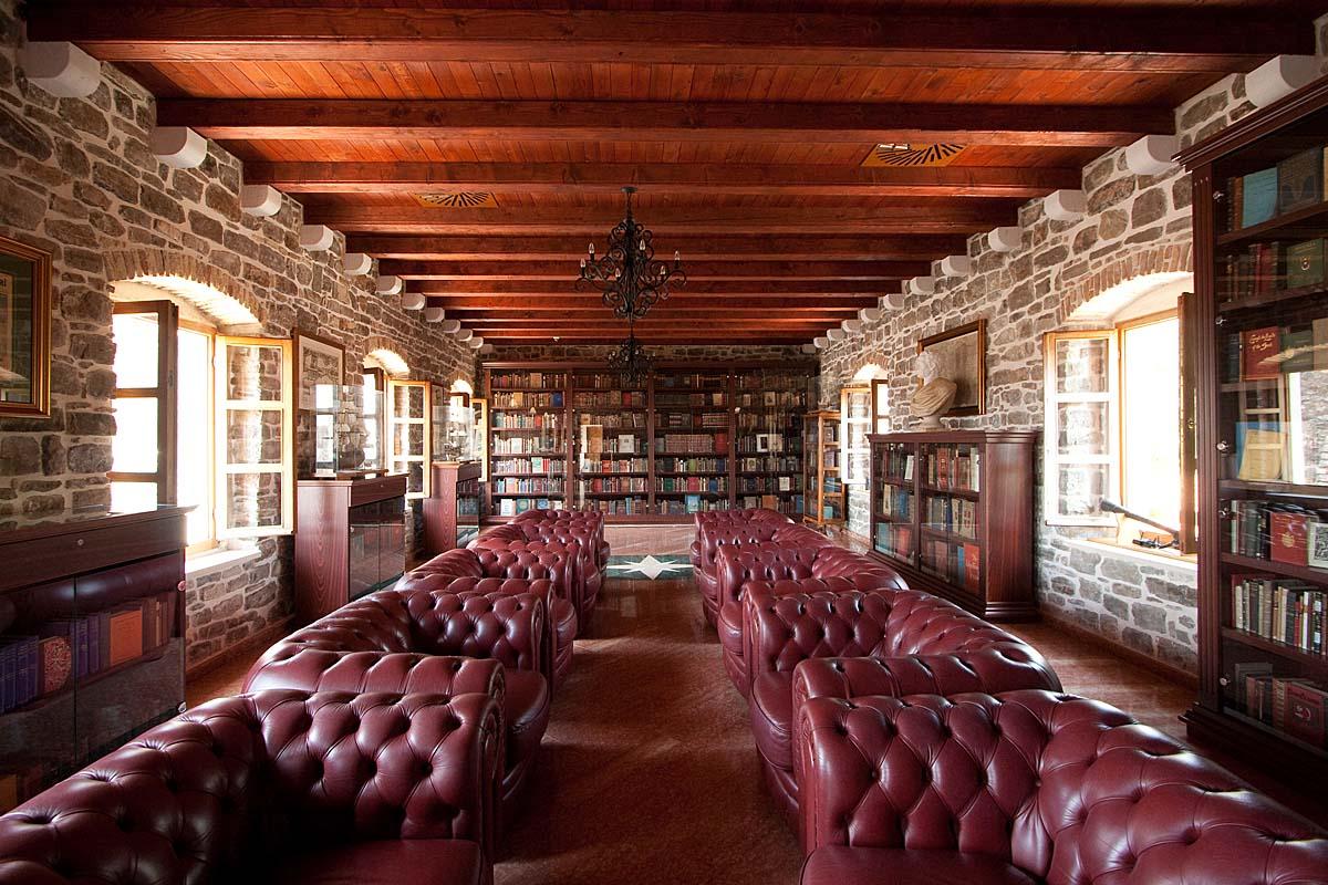 Фото: помещение библиотеки