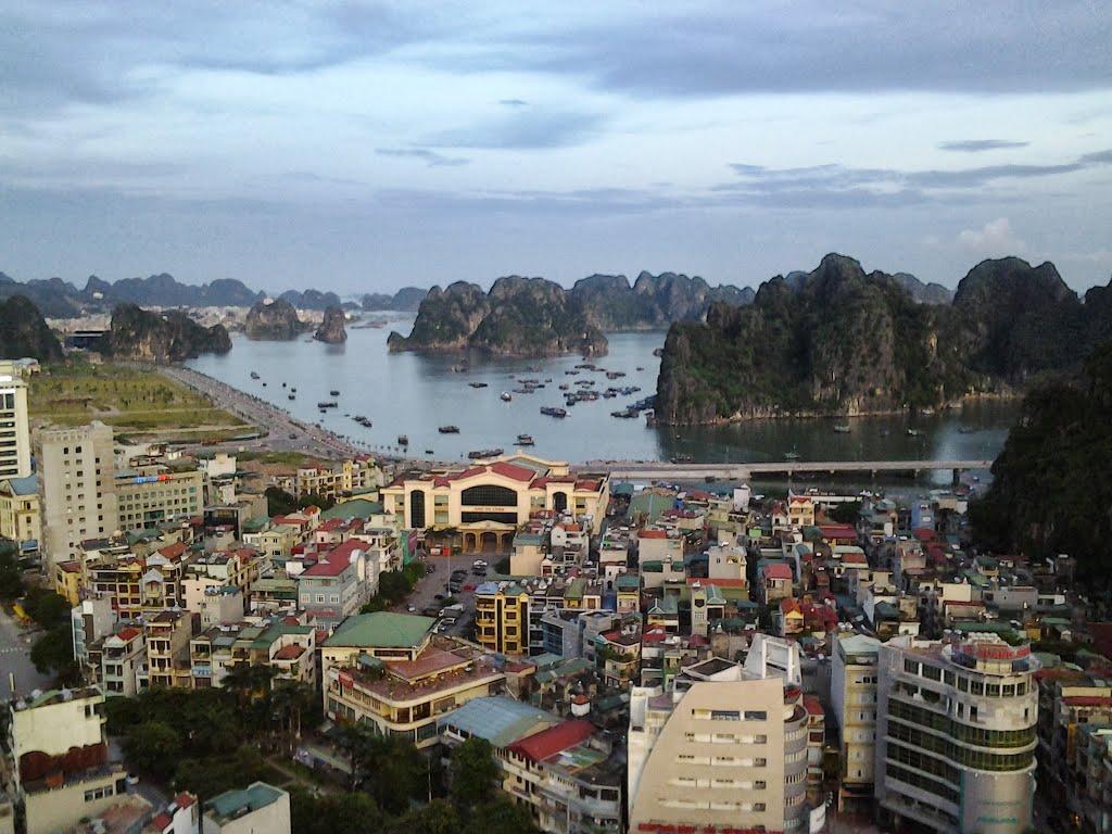 Фото: город Халонг, Вьетнам
