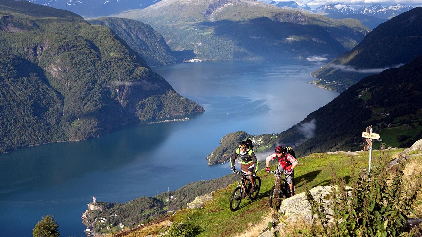 Фото: один из фиордов в Норвегии