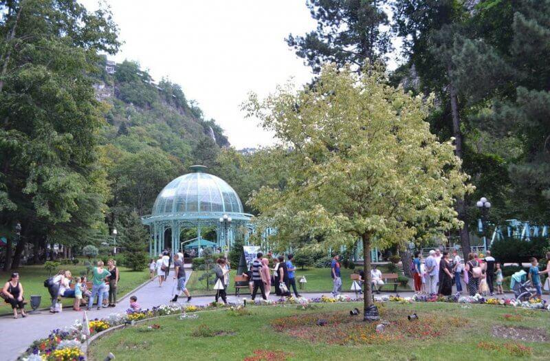 Фото: парк в Боржоми