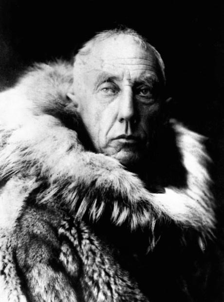 Руаль Амундсен - певый человек на Южном полюсе