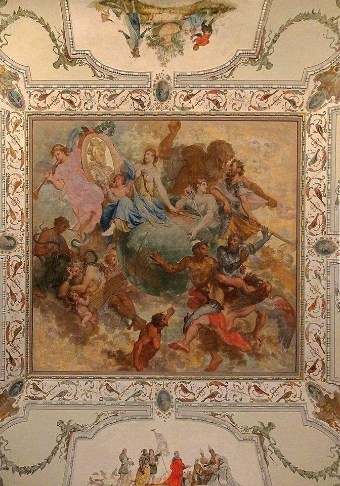 Роспись на потолке Открытого зала во дворце