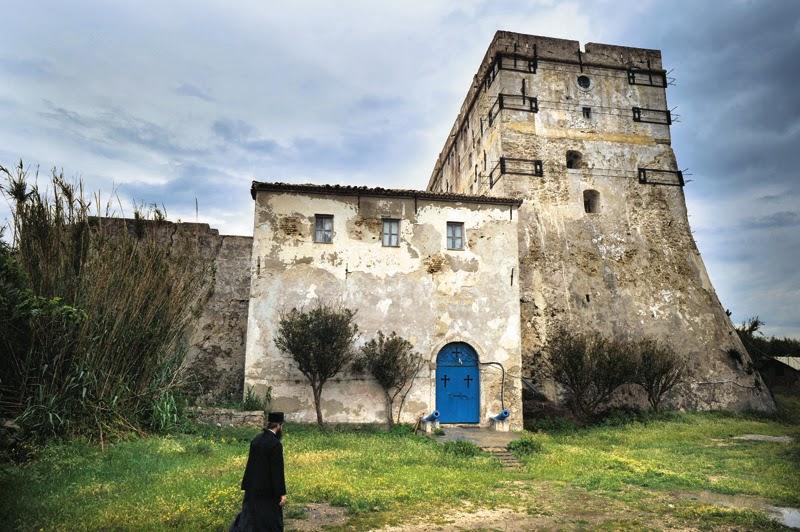 Фото: монастырь на Строфадах