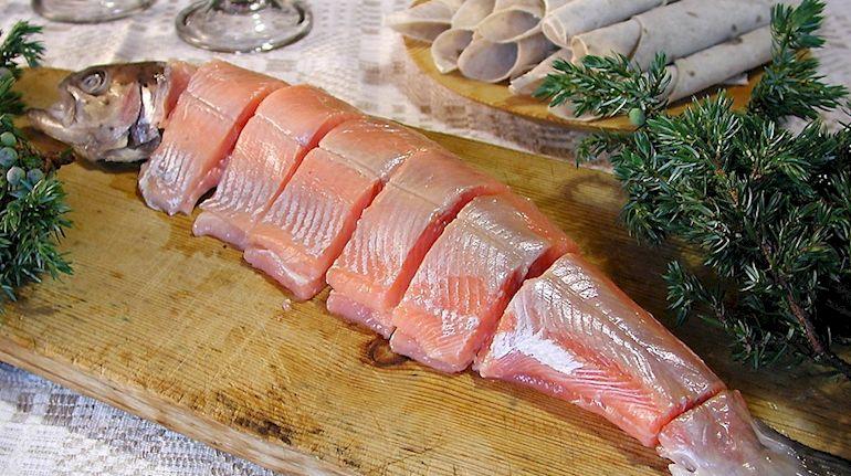 Блюдо из тухлой рыбы - ракфиск