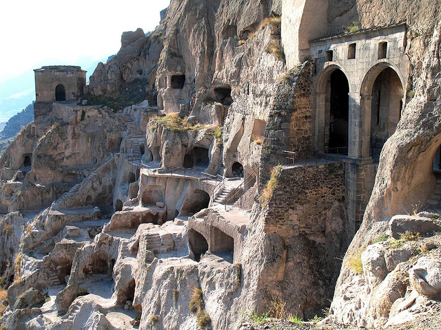 Храм в пещере, Вардзия