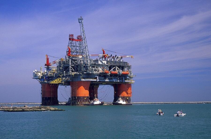 Фото: оборудование для добычи нефти