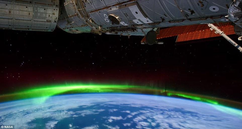 Так выглядит аврора из космоса