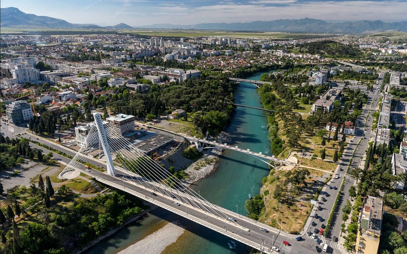 Река морача и мост Тисячилетия