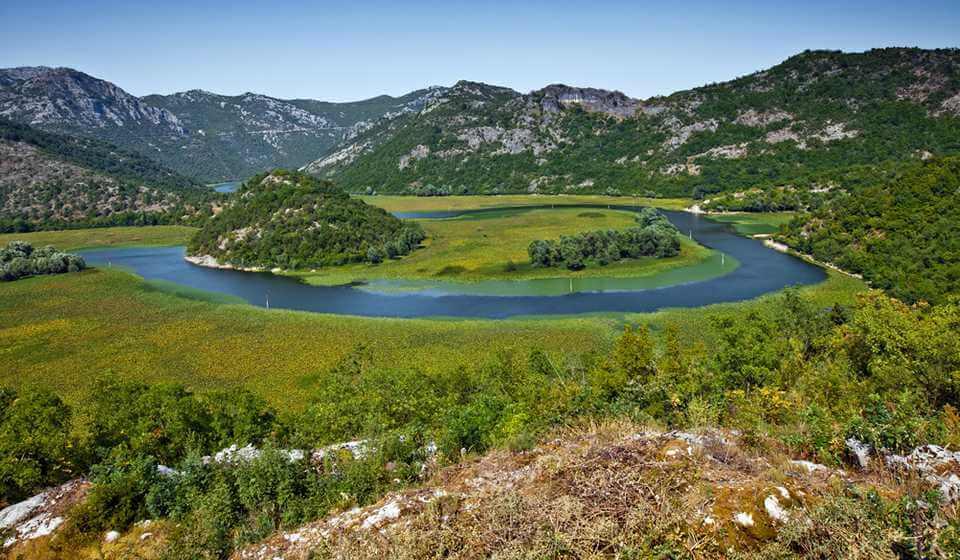 Фото: самое большое озеро в Черногории