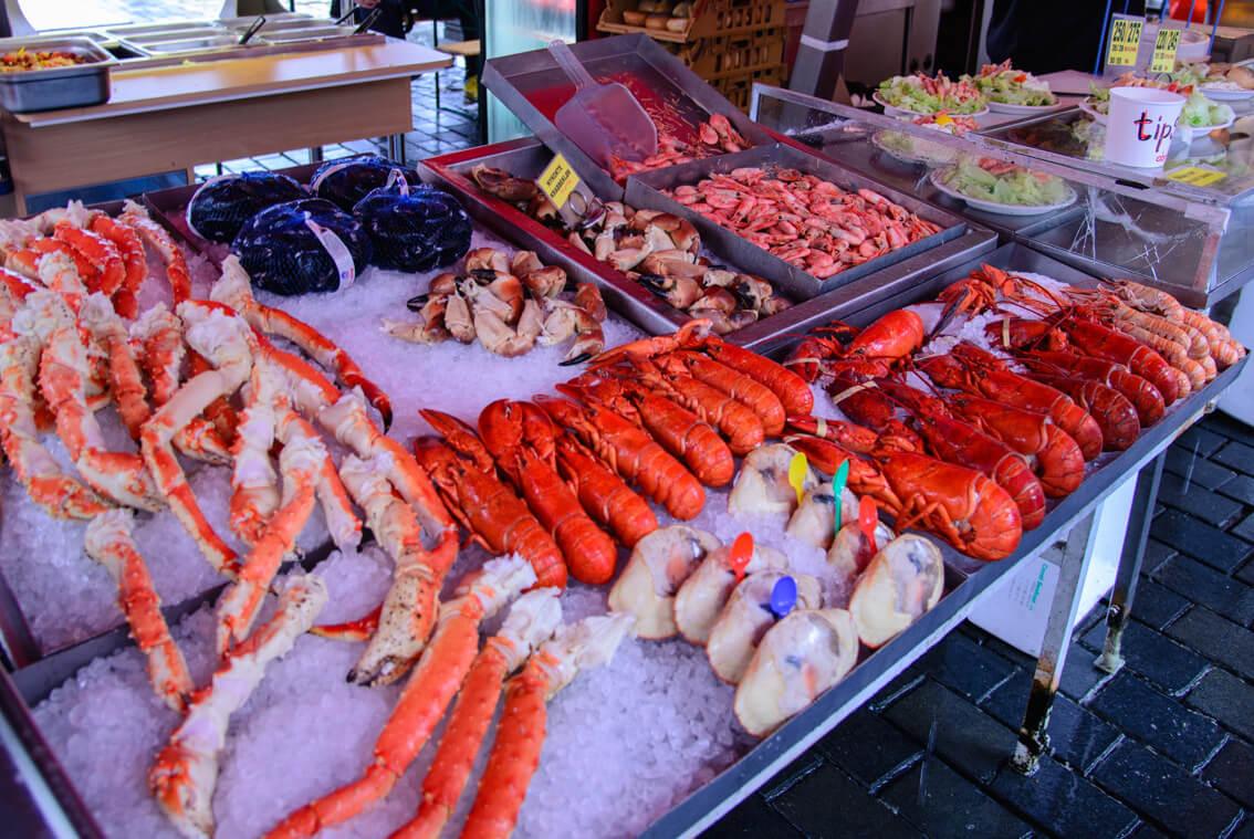 Норвежские морепродукты на рынке