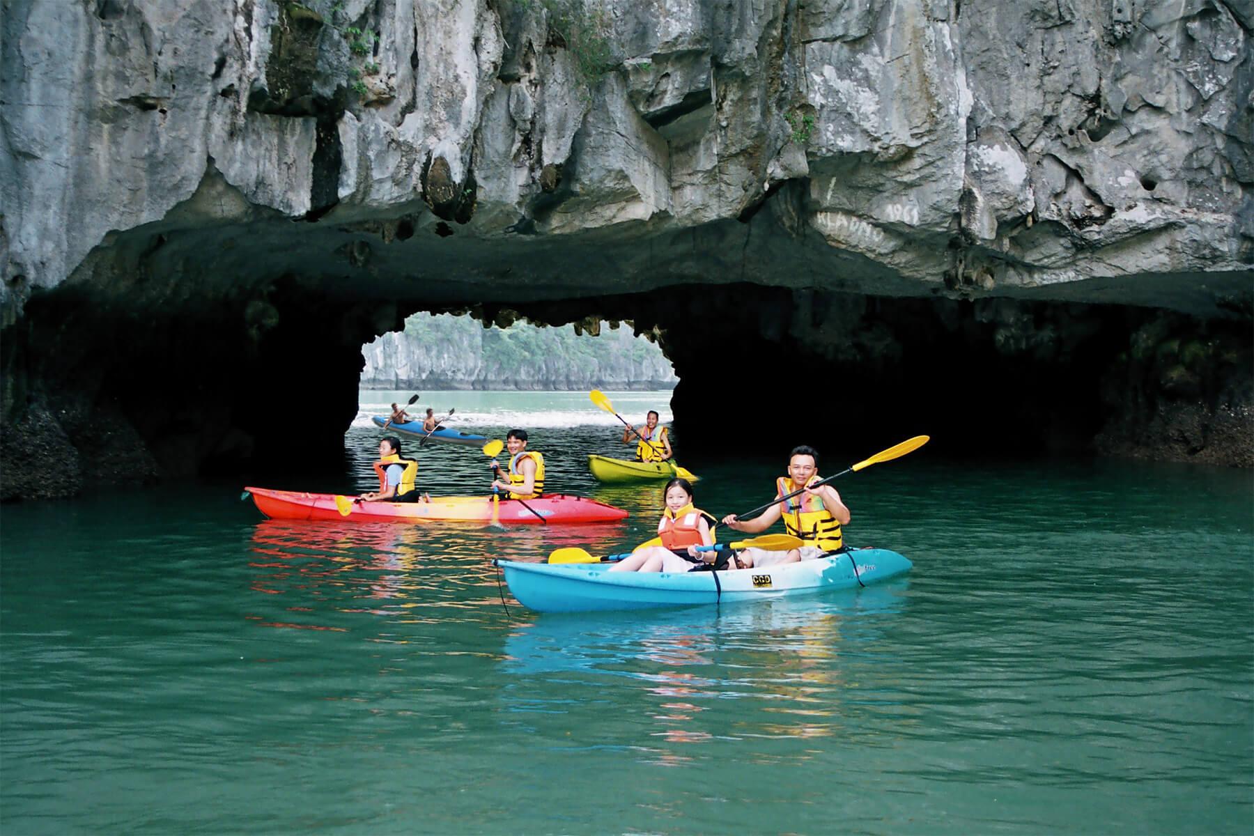 Luon Cave в бухте Халонг