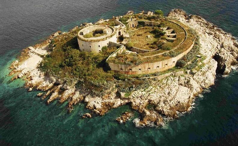 Фото: крепость на Мамуле