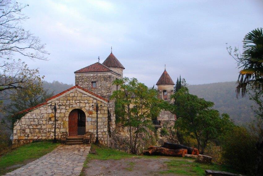 Достопримечательность Кутаиси - монастырь Моцамета