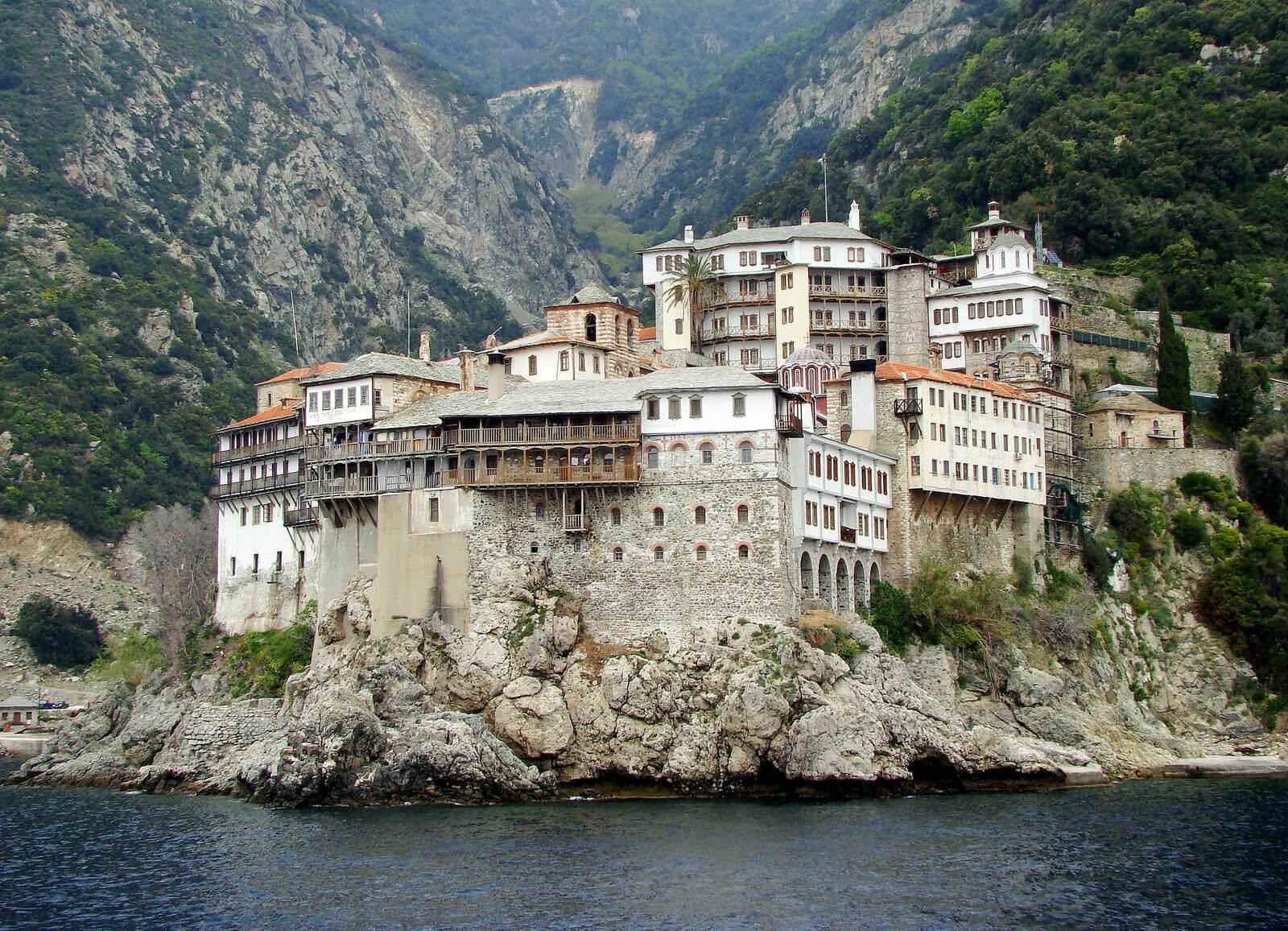 Монастырь не горе Афон