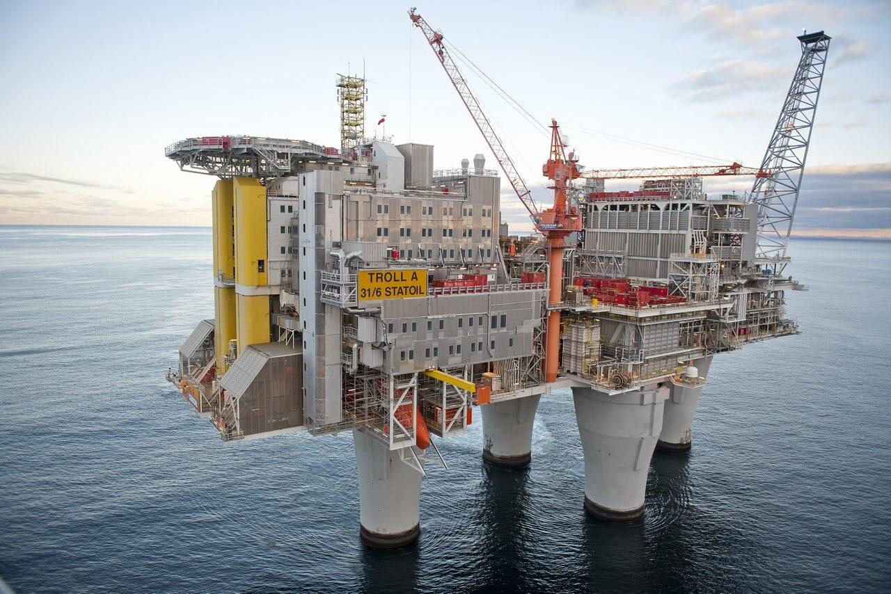 Самая большая буровая платформа в мире