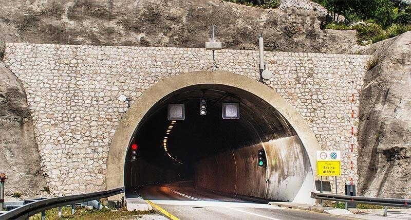 Тоннель Sozina в Черногории