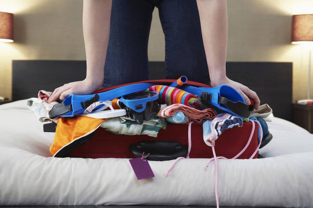 Как упаковать вещи в чемодан
