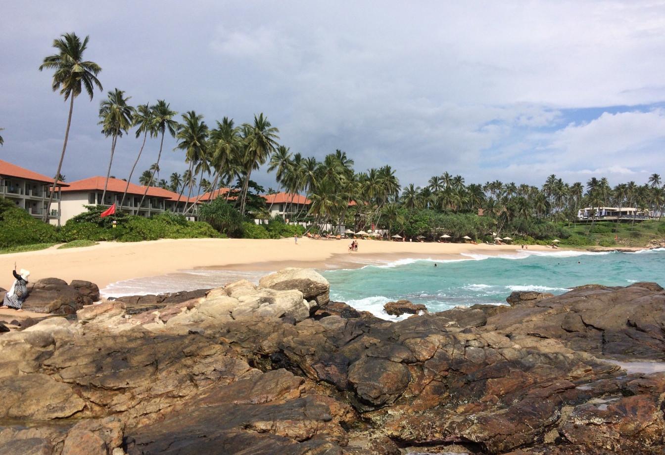 Пляж в бухте Гоямбокке