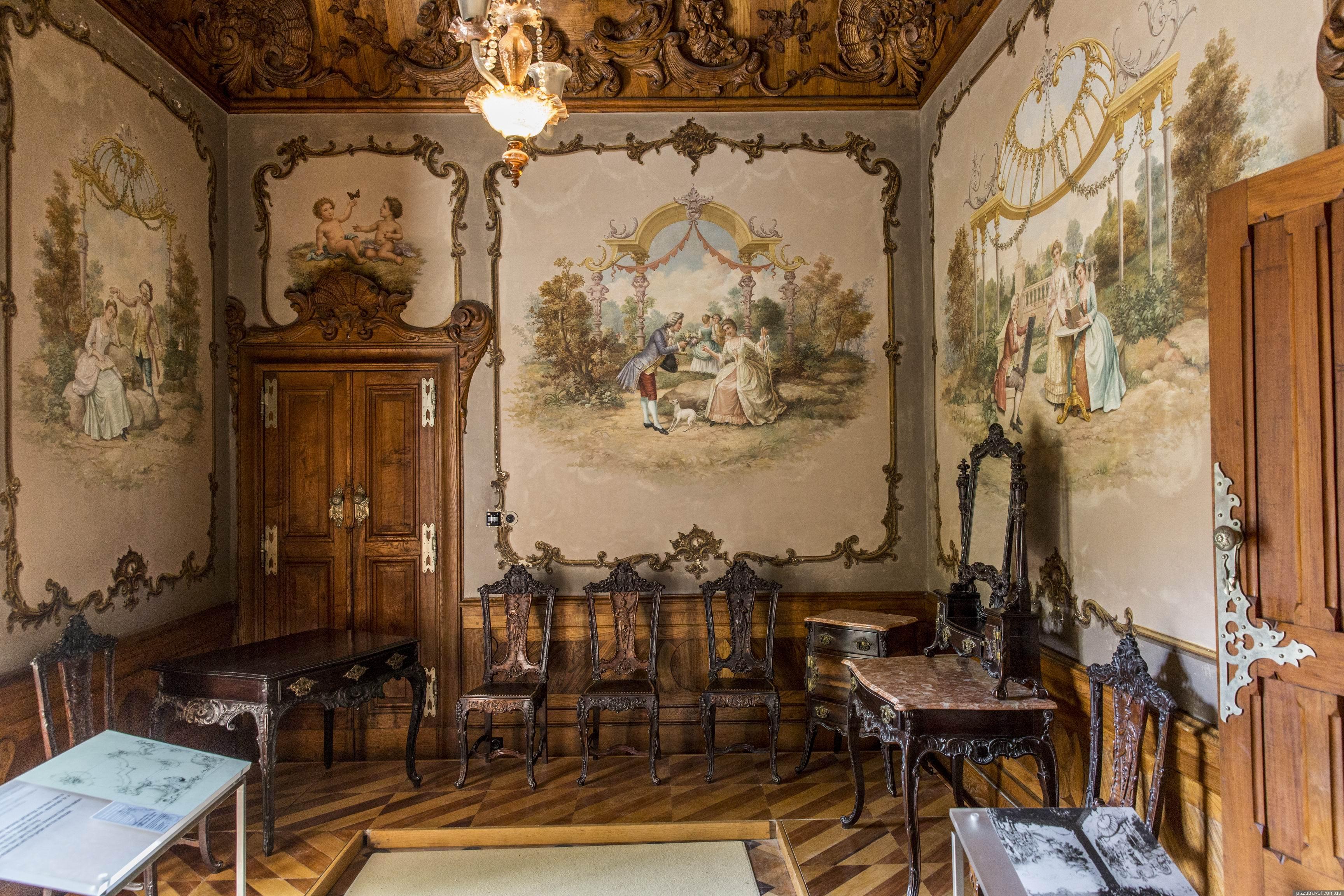 Фото: одна из комнат дворца Кинта-да-Регалейра