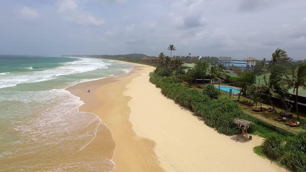 Пляж поселка Коггала