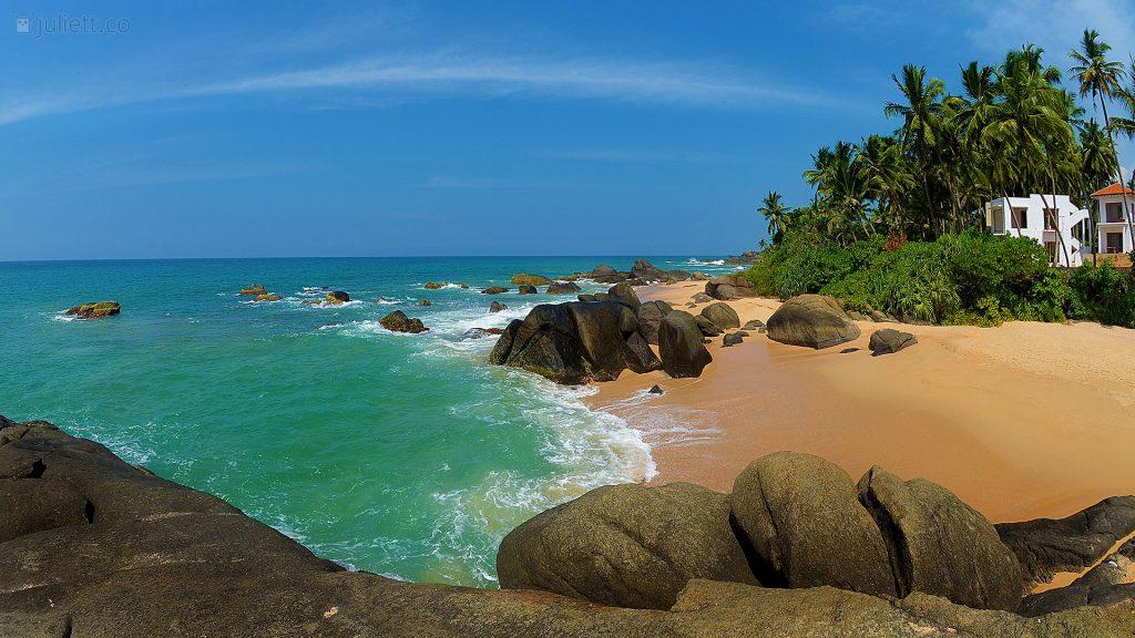 Пляж поселения Амбалангода