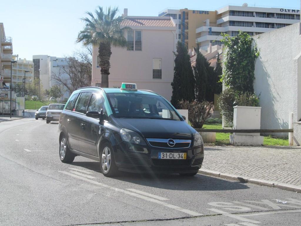 Машина такси в Португалии