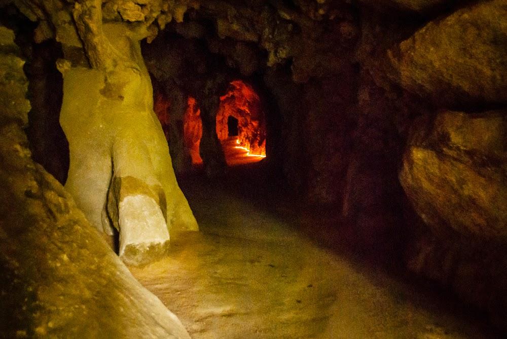 Фото: подземный тоннель