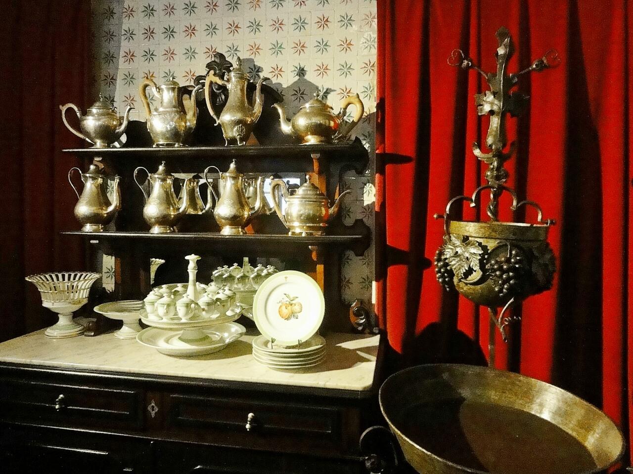 Фото: посуда королевской семьи Португалии