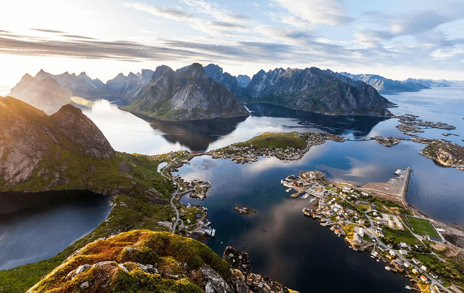 Фото: вид на Лофотены с горы, лето