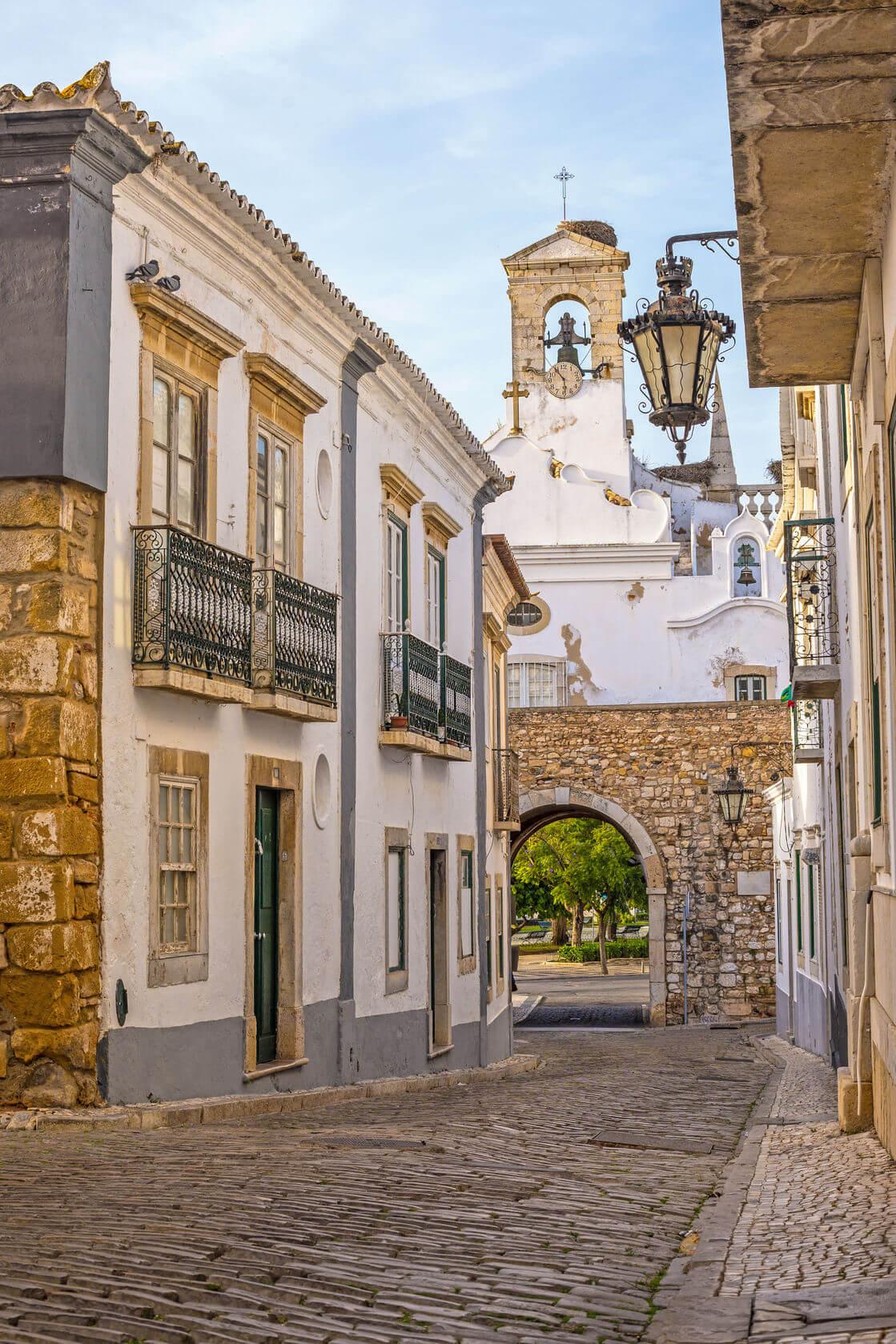 Фото: одна из улиц старого города