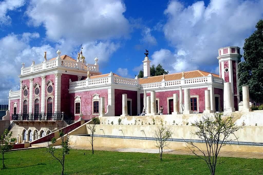 Фото: дворец Эштой