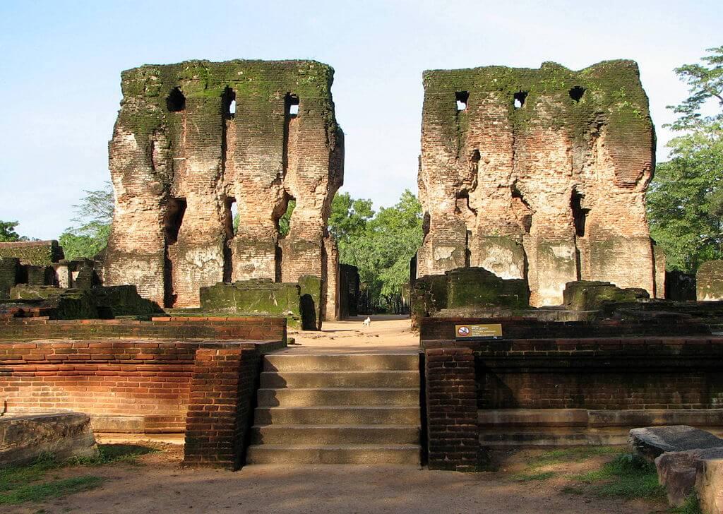 Руины Полоннарувы, сохранившиеся до сегодня