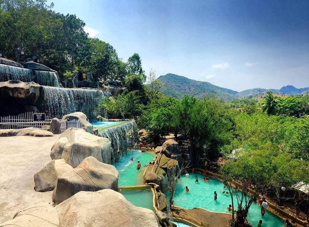 Каскад бассейнов в I Resort