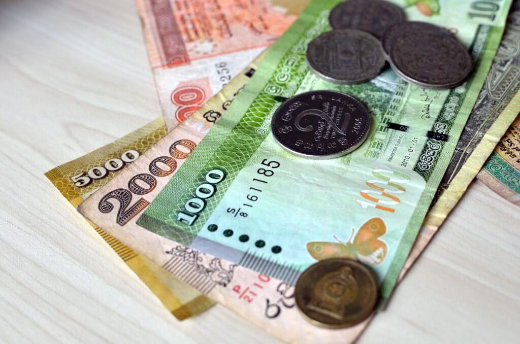 Фото: ланкийские деньги