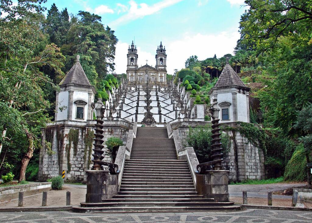 Лестница достопримечательности Бон Жезуш ду Монти