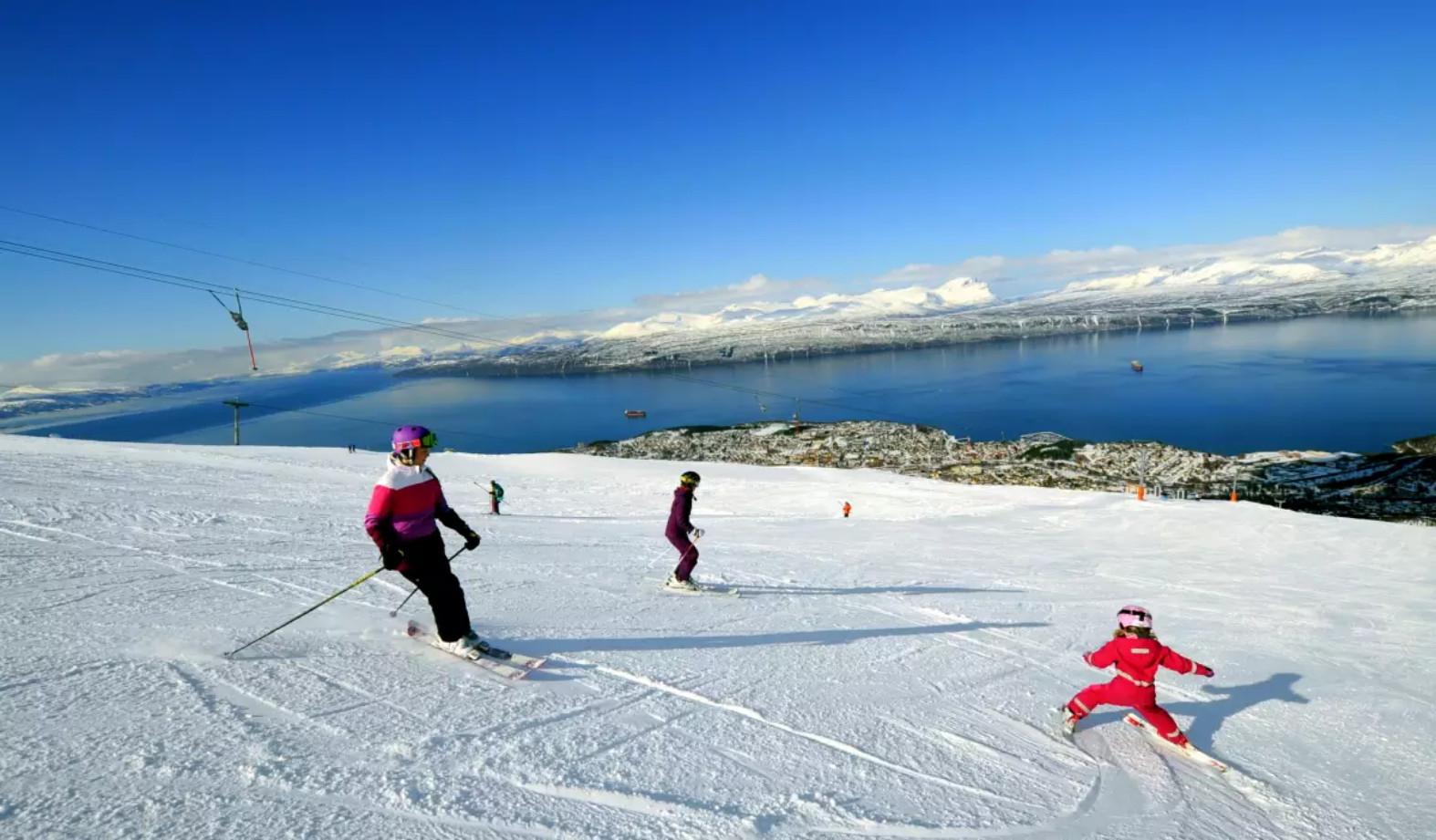 Фото: горные лыжи в Нарвике