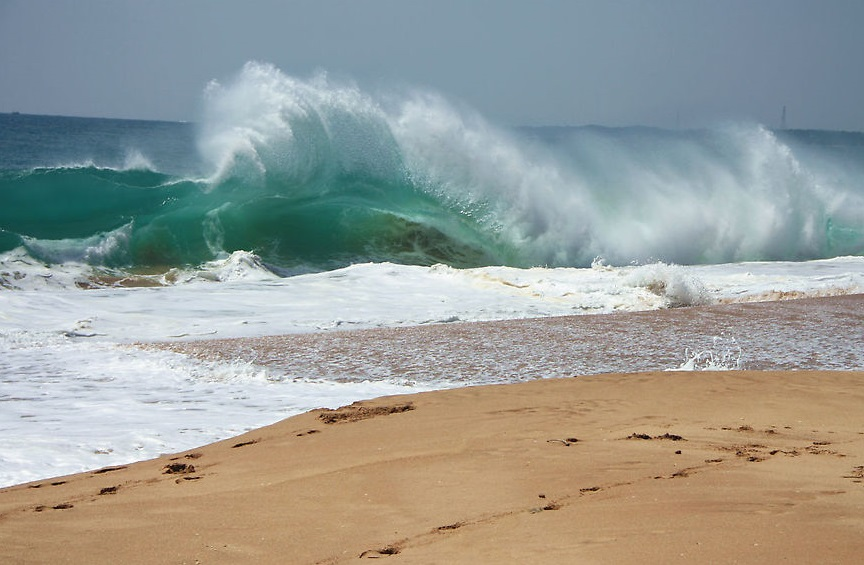 Фото: волны в Тангалле