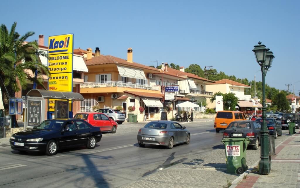 Главная улица курорта Криопиги