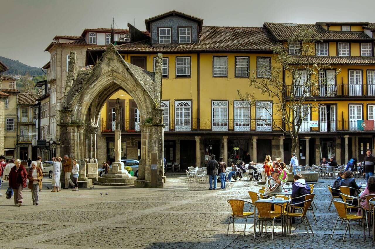 Фото: Площадь Ларго-да-Оливейра