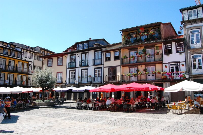 Фото: кафе на центральной площади города
