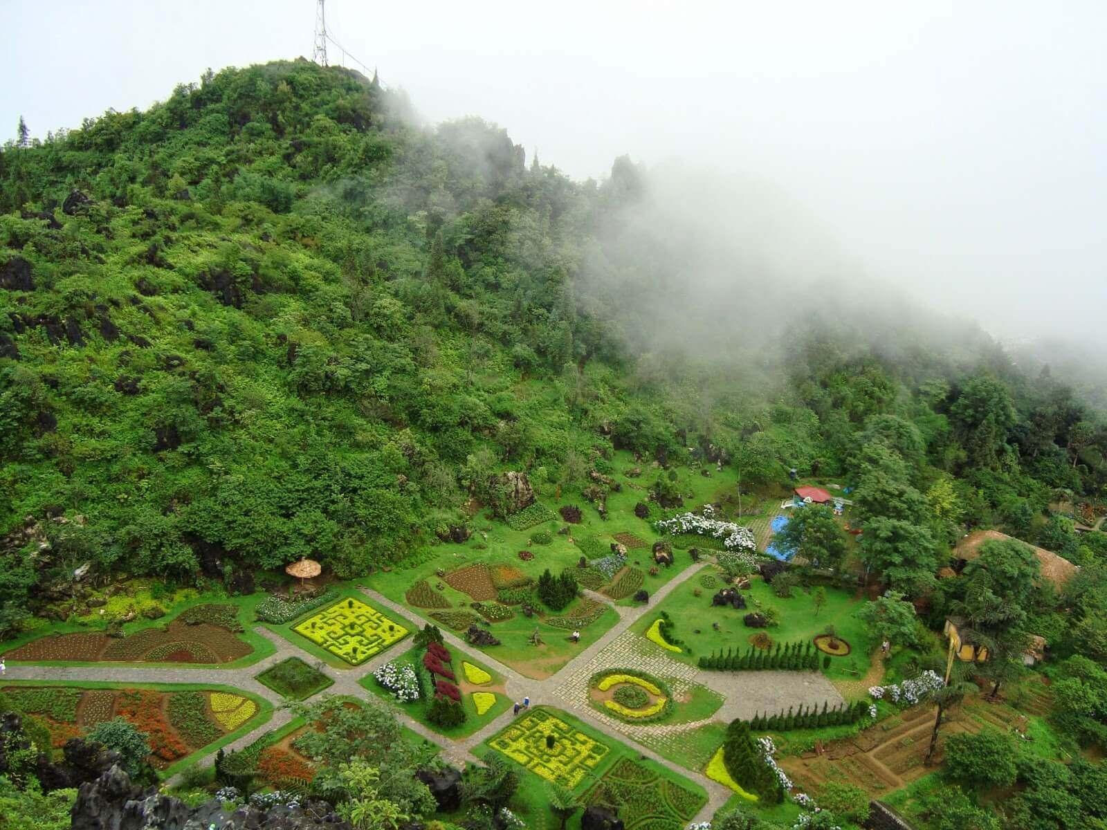 Вид с вершины горы Хам Ронг