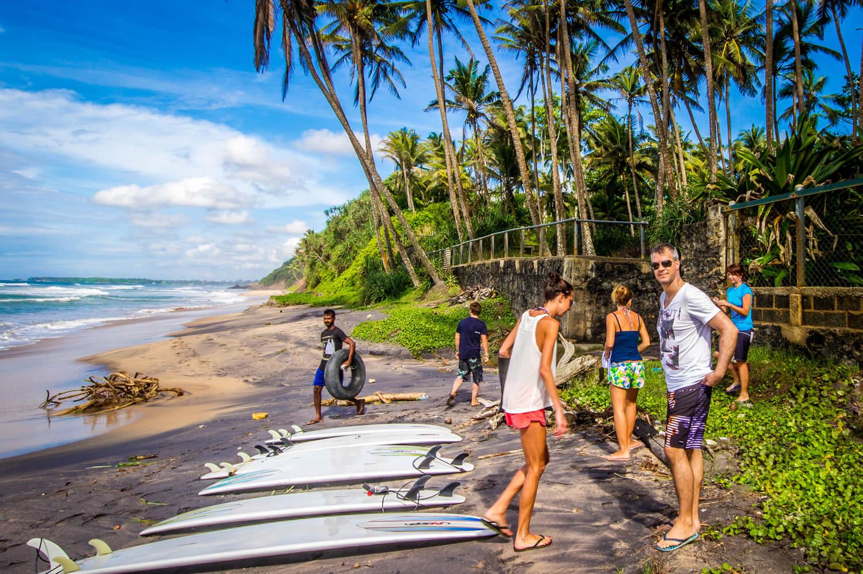 Разгар сезона для серфинга на Шри-Ланке
