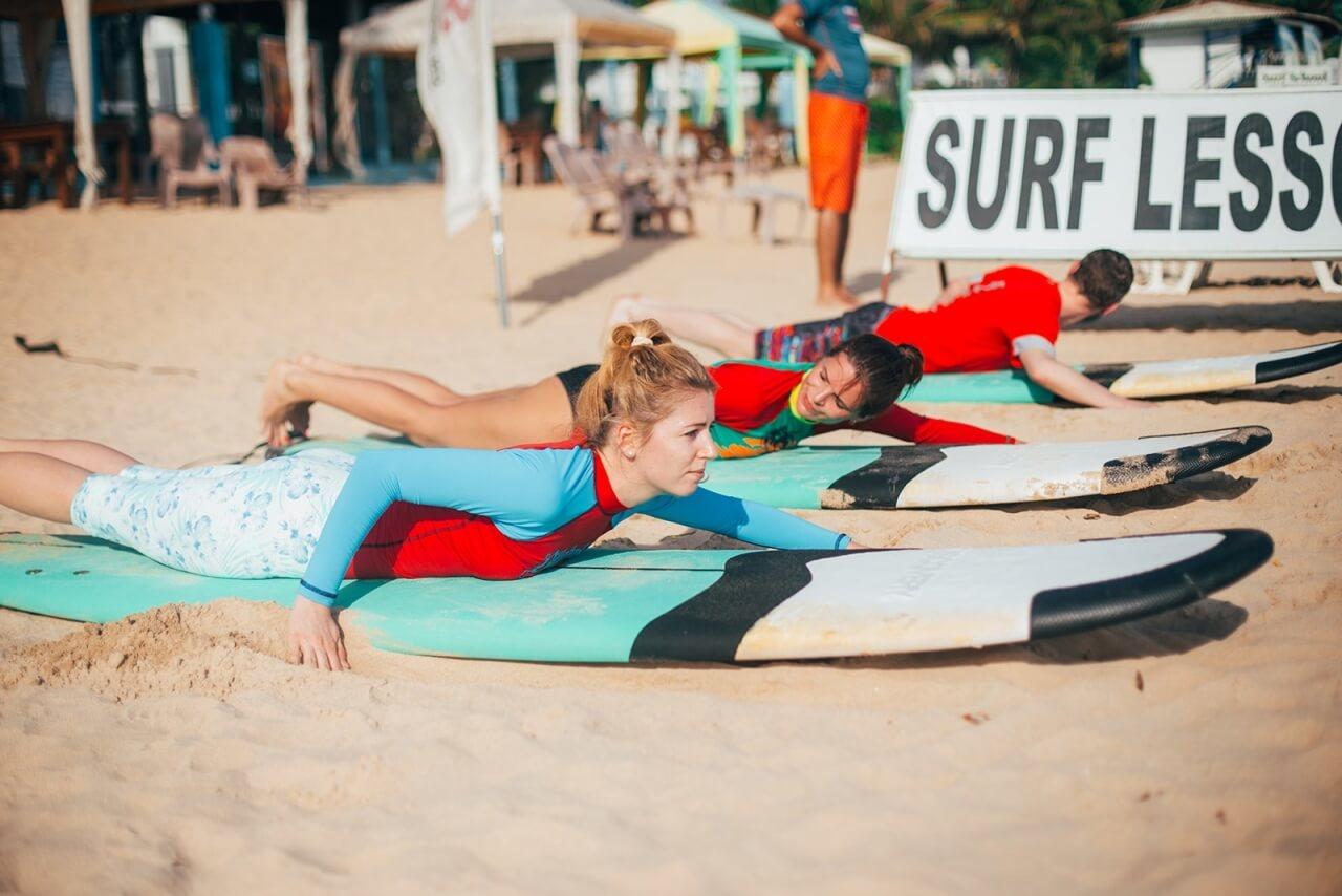 Уроки серфига в Серф-кэмп