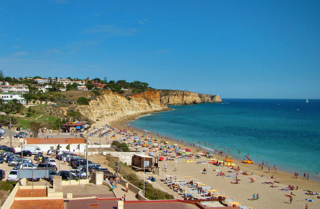 Вид на пляж Praia do Porto de Mos