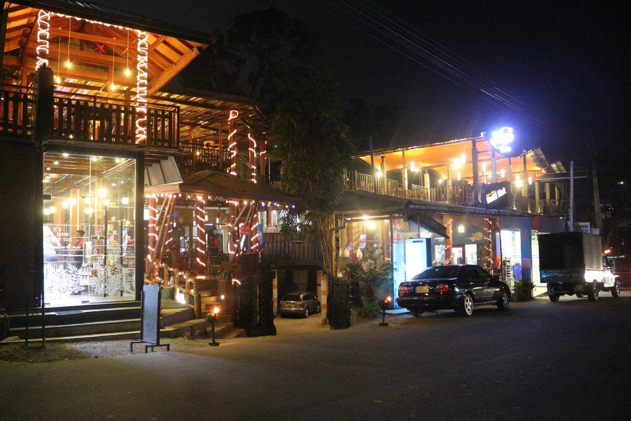 кафе Ella Village Inn