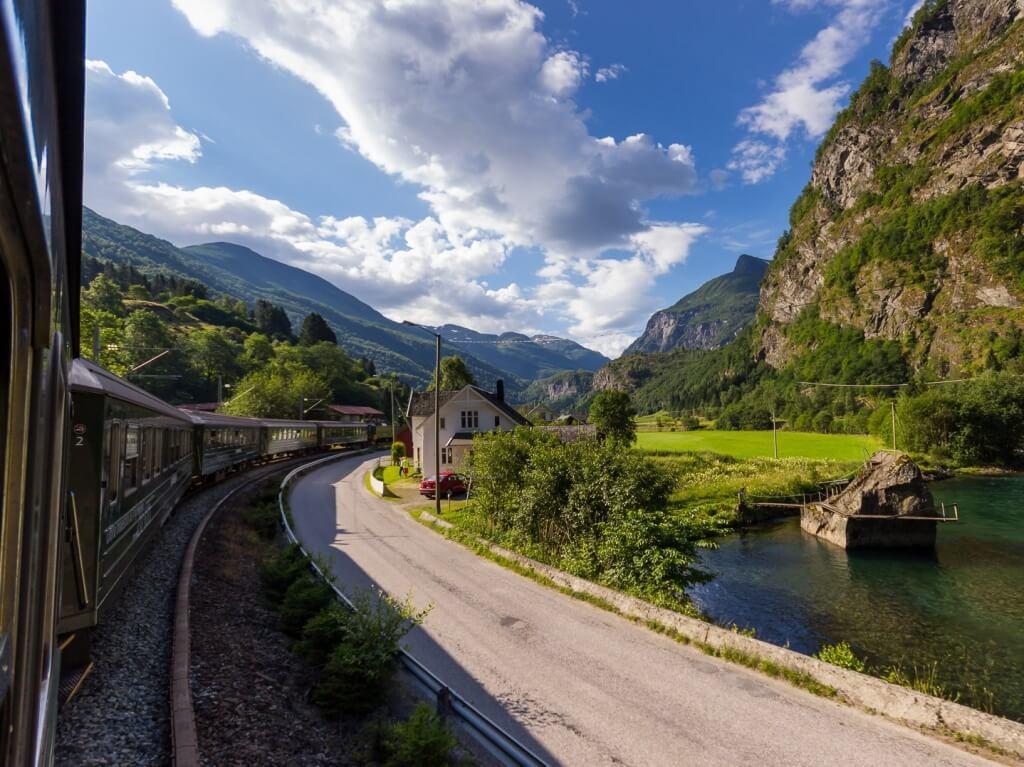Поездка по Фломской железной дороге