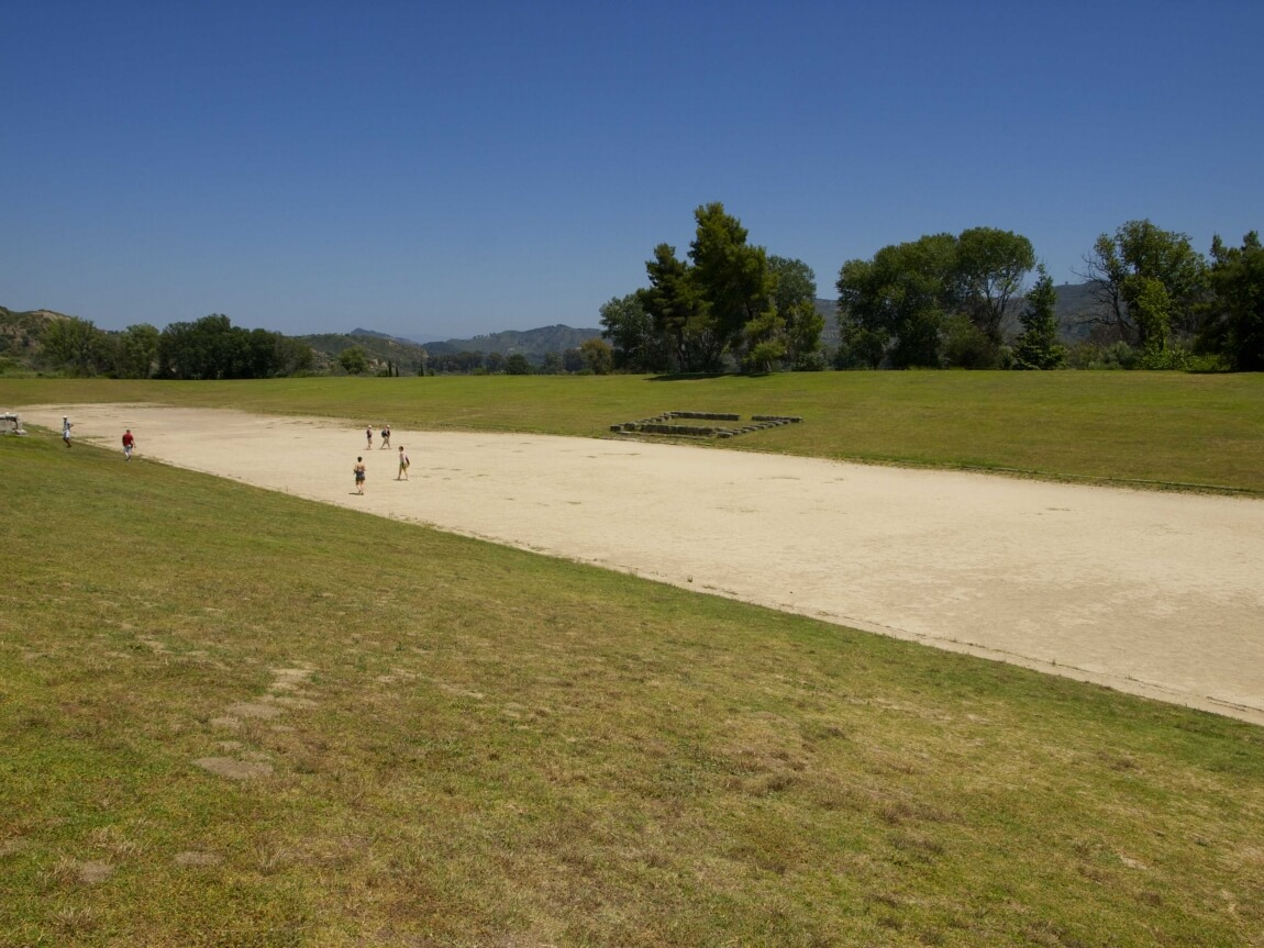 Древний стадион